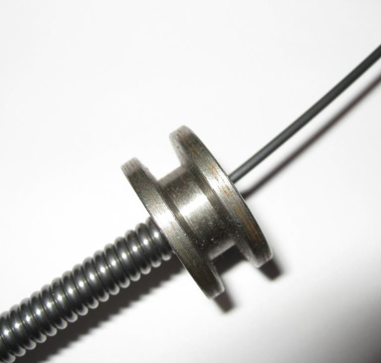 #R3332-36 Kabelholder, trisse til monter...